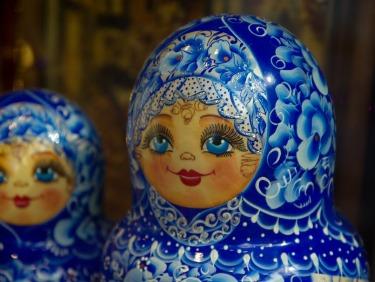 russian-dolls-912310_1920 (2)Jacqueline Macou