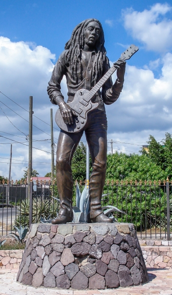 Bob_Marley_-_Statue_-_Kingston_-_Jamaica