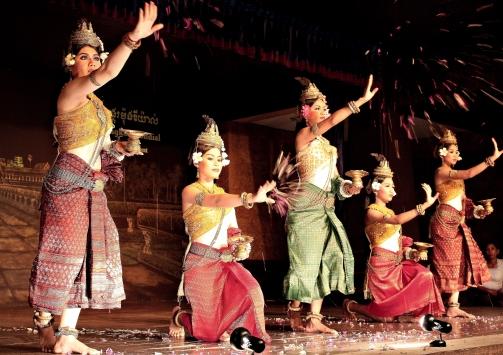 Cambodian_Dancers_(4289832944)
